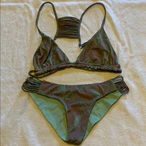 Billabong bikini reversible mint and purple